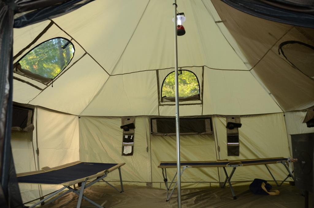 Alaknak tent & Alaknak tent - Canoe the Wild