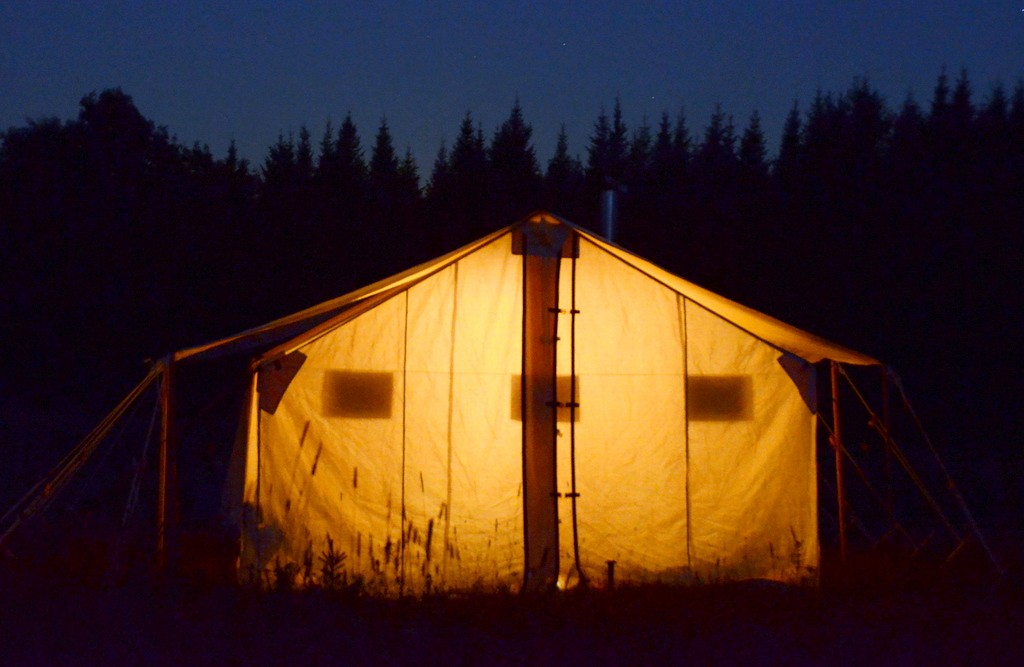 Maine-moose-hunt-wall-tent
